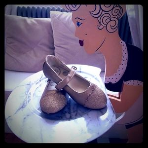 Stride Rite Valeria Mary Janes Gold Glitter 10.5
